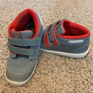 Size 9.5T—Reebok Grey w/red